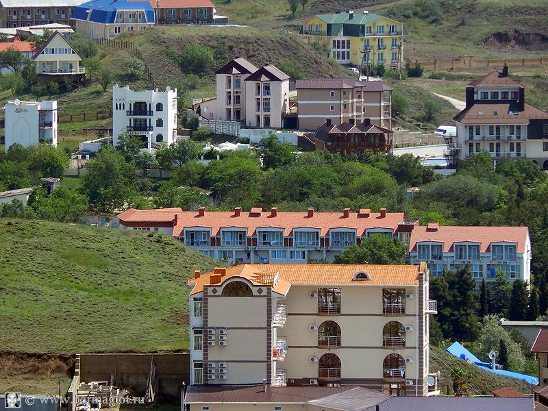 фотография посёлка - одни частные гостиницы